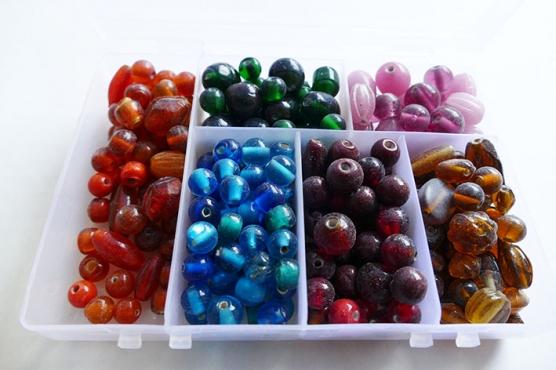 Glasperlen  Sammelsurium - Glasperlen-Sortiment in Sortimentbox, 450 g